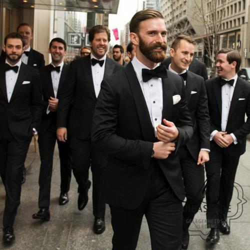 Mannen in smoking te huur voor groep