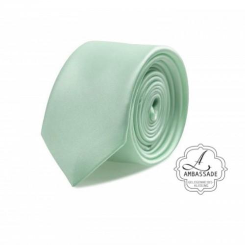 Gladde glansende effen stropdas van satijn met een pochet voor een bruidegom of voor bij een jacquet in pastel tinten. Mint groen