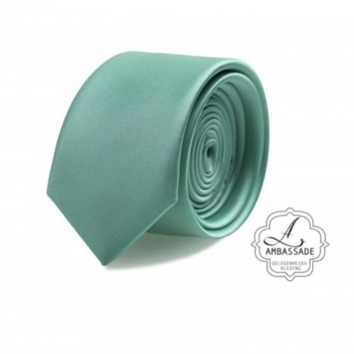 Gladde glansende effen stropdas van satijn met een pochet voor een bruidegom of voor bij een jacquet in pastel tinten. Licht groen