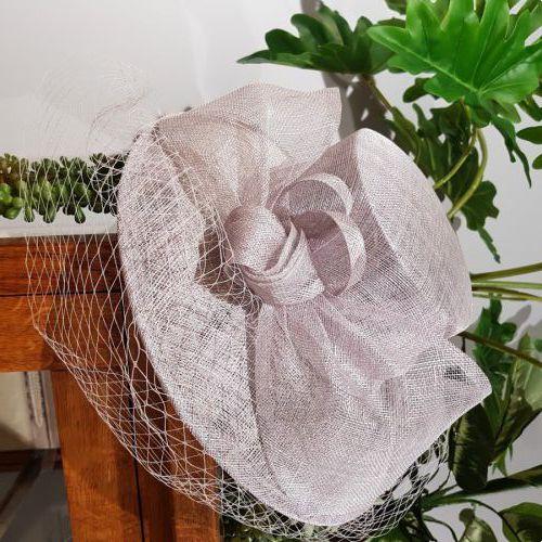 Licht grijze hoed €179,95