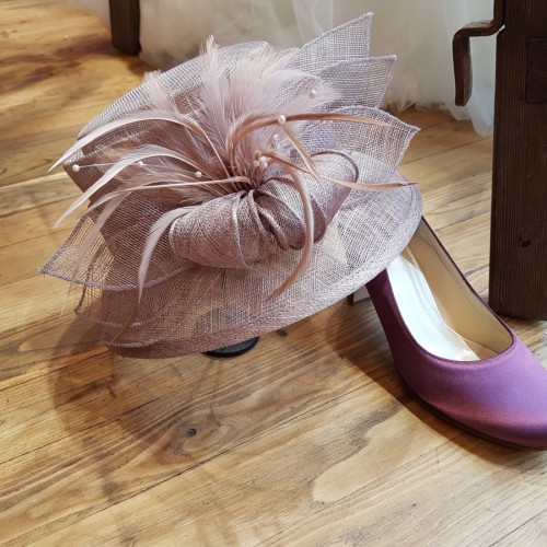 Blush kleurige hoed €139,95
