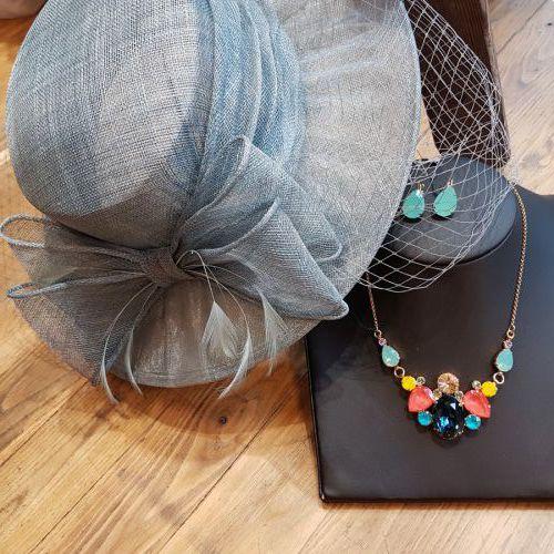Mint/ zeegroene hoed €159,95