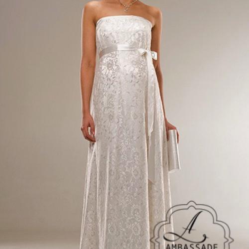 kanten, strapless positie bruidsjurk met ivoorkleurige band.
