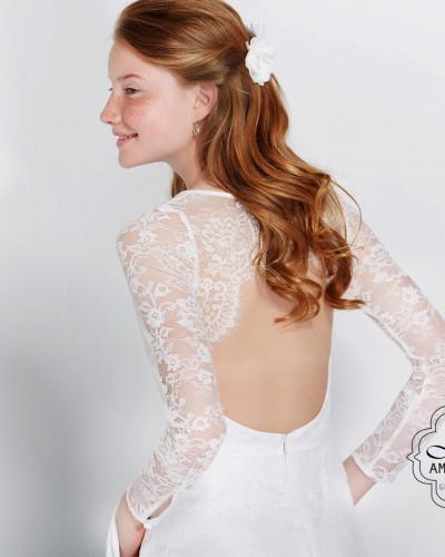 Korte bruidsjurk met mooi rug detail P2861